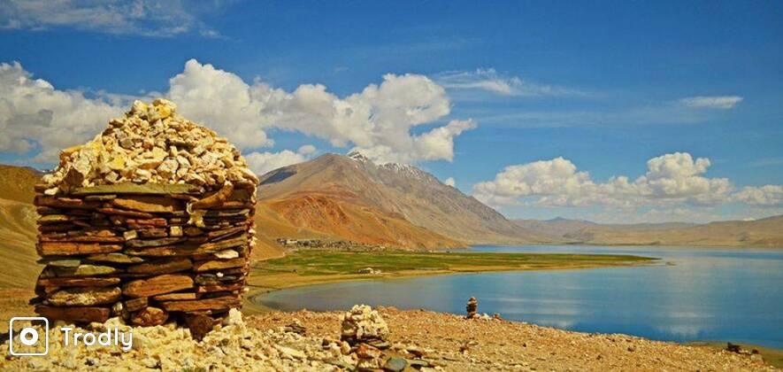 Leh Ladakh Nubra Turtuk and Pangong Private Tour in SUV