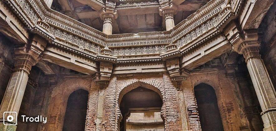 Ahmedabad Sightseeing Tour with Akshardham & Adalaj Stepwell