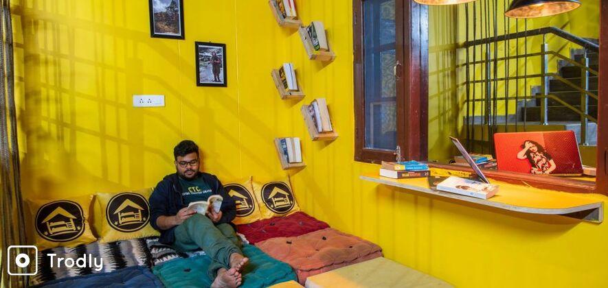Kheerganga & Tosh trek with backpacker stay in Kasol