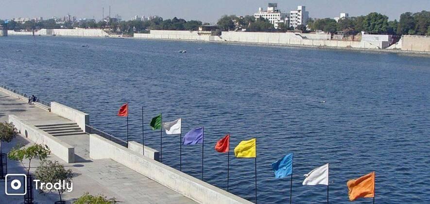 8-Hour Custom Sightseeing Tour of Ahmedabad