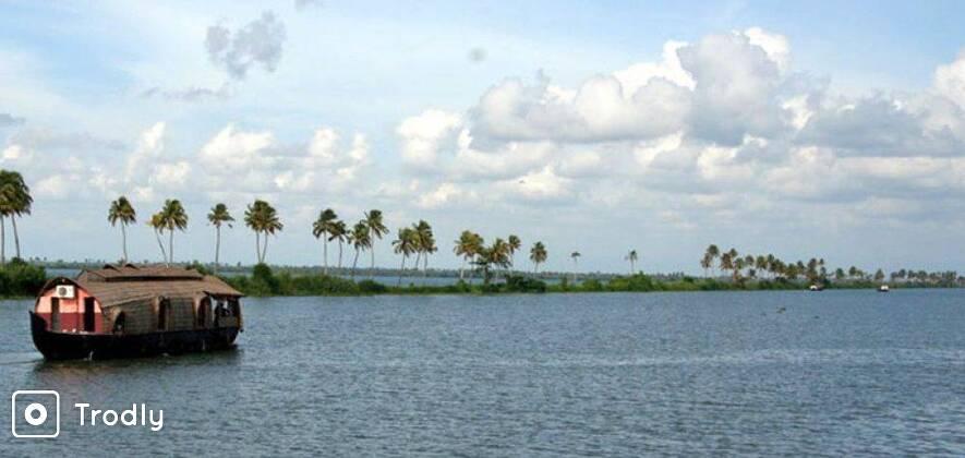 Kumarakom Houseboat and Resort - 2 Nights 3 Days