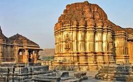 Udaipur: Day Tour to Eklingji & Nathdwara Temples