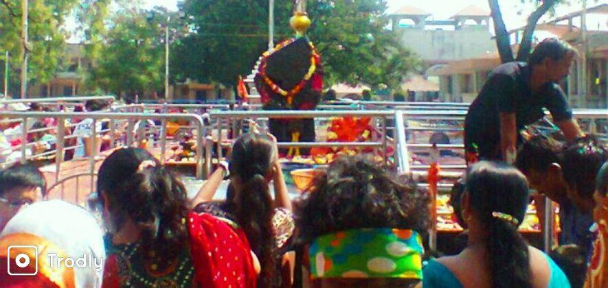 Shirdi and Shani Shignapur 2 Day Tour From Mumbai